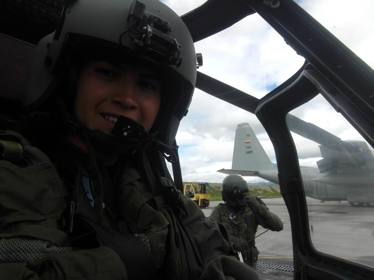 La vida de Hernández, una mujer piloto en Colombia: