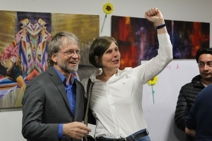Antanas Mockus celebra junto a su partido el resultado de las elecciones. Foto: Sergio Daza