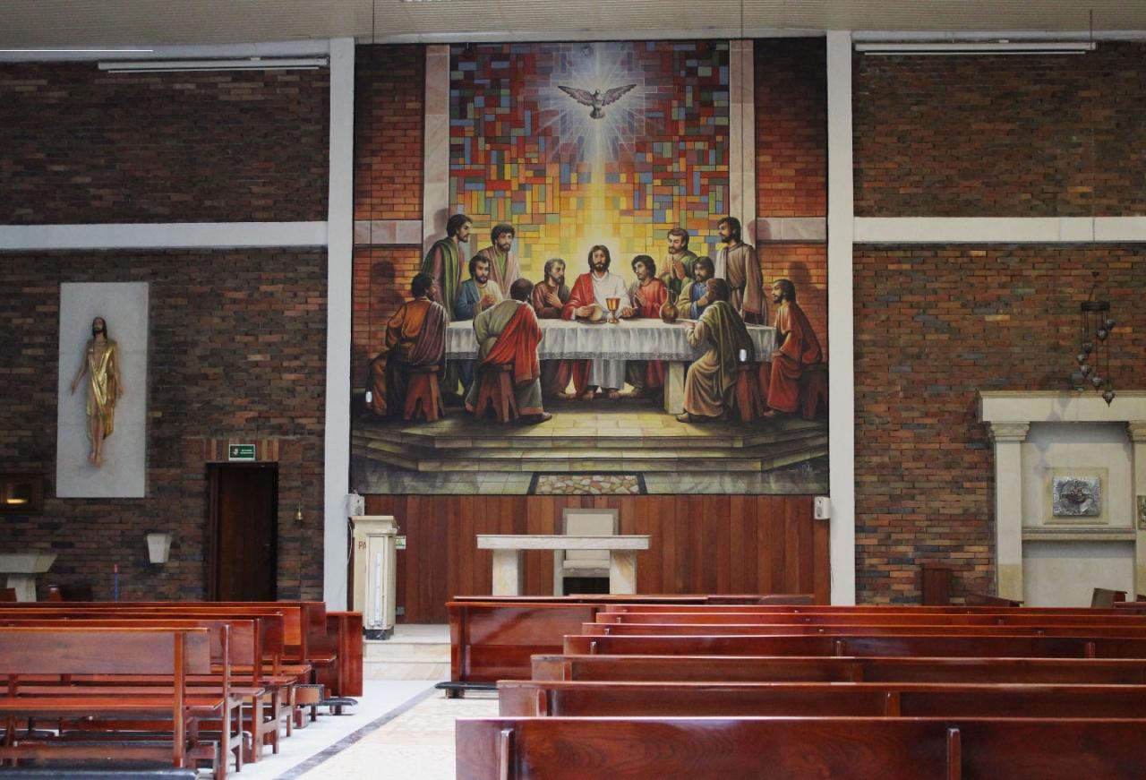 Covid-19 obliga a iglesias católicas a reinventarse