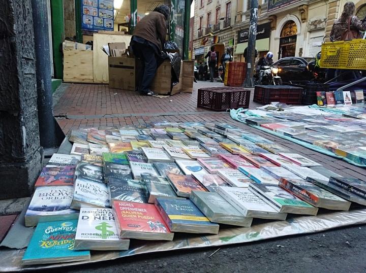 Callejón de los Libreros, centro de Bogotá