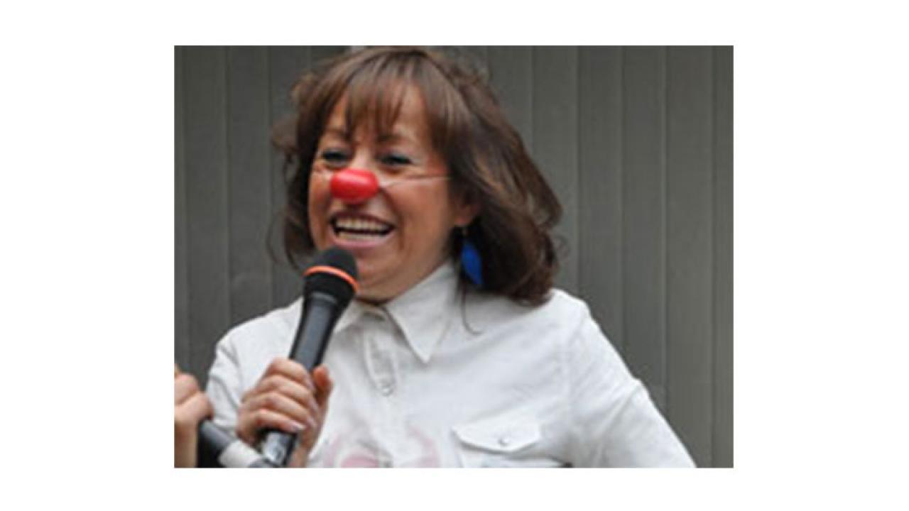 La mujer que trajo el proyecto de la risa a Colombia