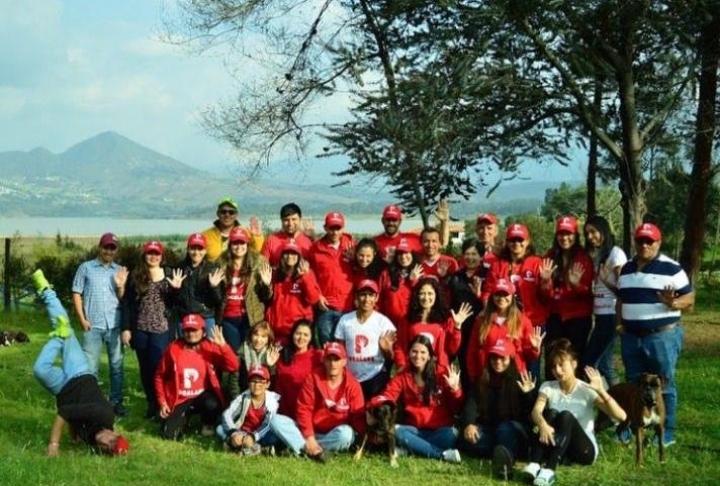 Equipo de voluntarios de la fundación Pocalana