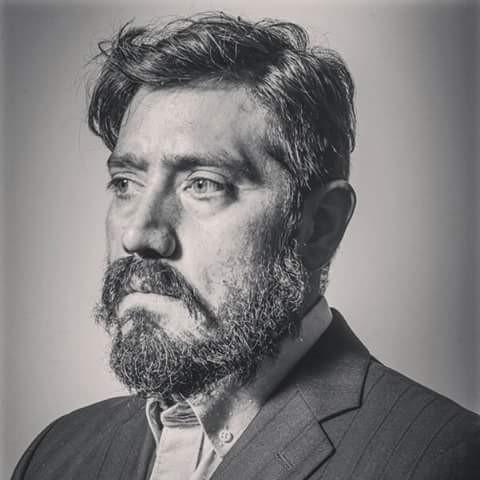 Mauricio Puentes: tras los reflectores y el telón